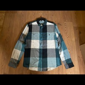 Flannel/Button-Down Long Sleeve Shirt for Men.